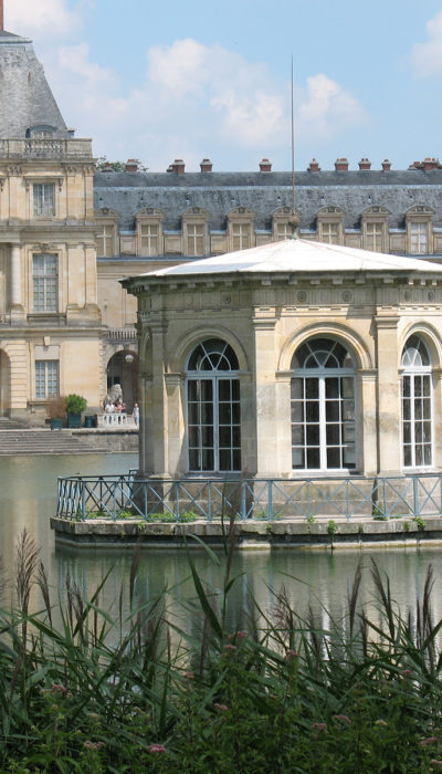One day excursion to the Palace of Fontainebleau